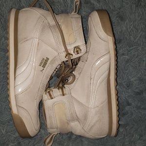 Hitop sneakers